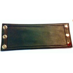 Plain leather wristband -...